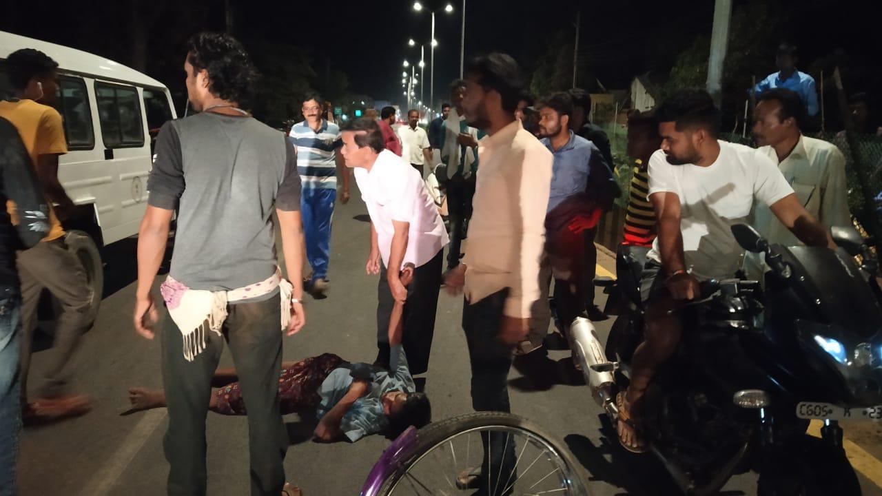 सड़क दुर्घटना : सायकल और स्कूटी में भिंडत