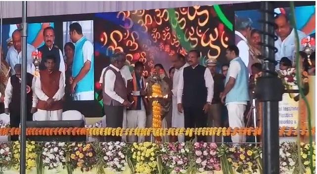केन्द्रीय मंत्री सदानंद गौडा ने की कोरबा सिपेट की शुरूआत, छत्तीसगढ़ में बढेगें प्लास्टिक इंजीनियर