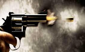 एक के बाद एक धड़ाधड़ आरोपी ने चलाई गोलियां,सीसीटीवी कैमरे में रिकॉर्ड हुई घटना