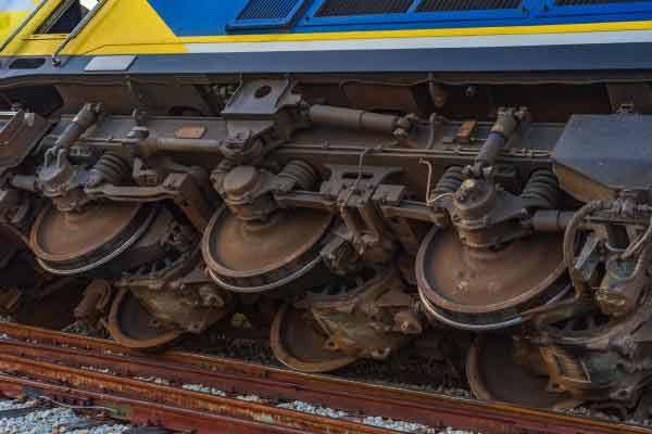 चेन्नई-मंगलौर सुपरफास्ट ट्रेन