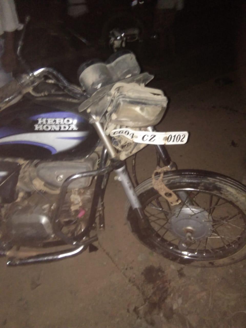 सड़क दुर्घटना: भोपालपटनम शिवरात्रि मेले में भिंडत से लौट रहे दो मोटरसाइकिल चालक, गंभीर हालत में एक, दो घायल