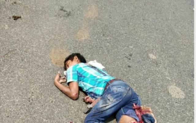 बीजापुर-आवापल्ली सड़क पर हुए हादसे में ग्राम पंचायत सचिव की मौत