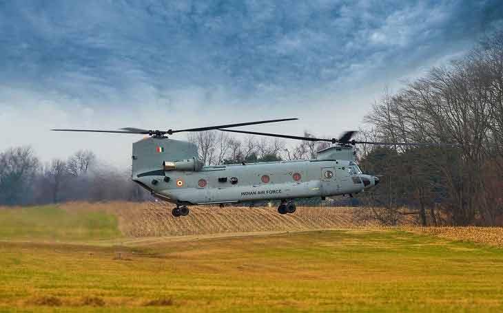चिनूक हेलीकॉप्टर को भारतीय वायुसेना ने अपने बेड़े में शामिल कर लिया