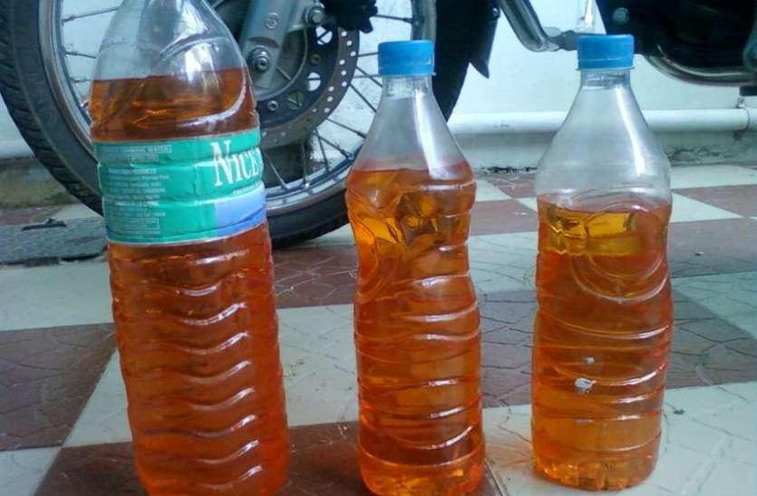 बोतल में पेट्रोल