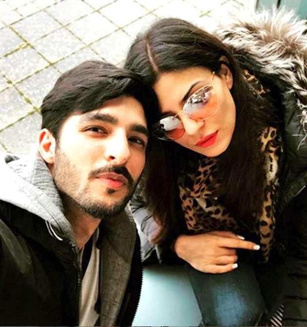 सुष्मिता सेन इन दिनों बॉयफ्रेंड रोहमन शॉल के साथ रिश्ते की वजह से चर्चा में हैं