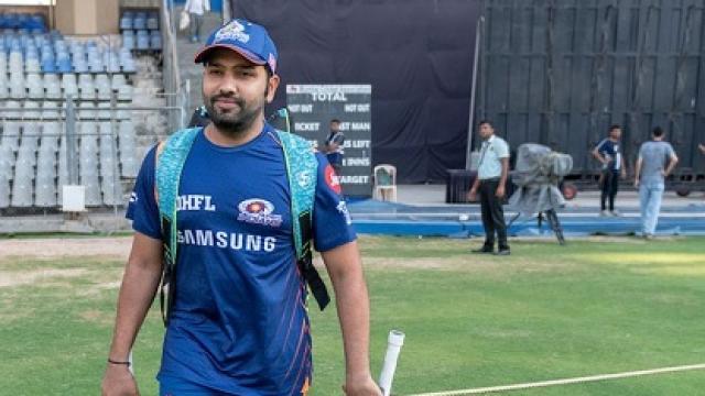 रोहित पर बल्ले से विकेट पर मारने के लिये मैच फीस का 15 प्रतिशत जुर्माना