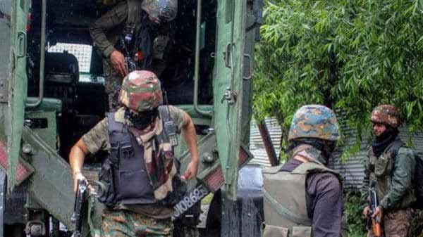 पुलवामा में मारे गए तीन आतंकी, एक जवान भी शहीद