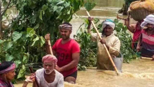 असम में बाढ़ से 71 लोगों की मौत