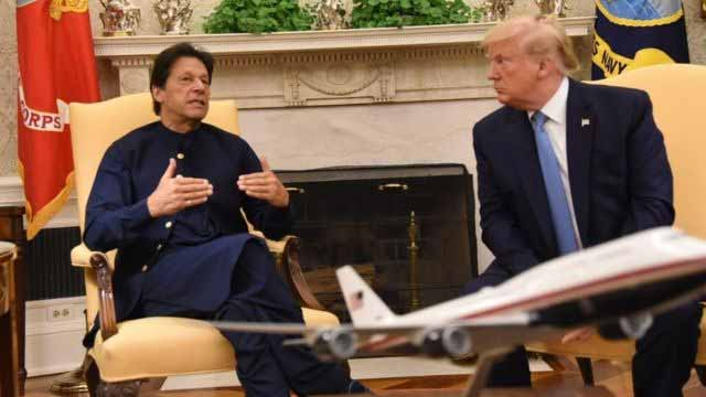 डोनल्ड ट्रंप ने दिया कश्मीर मुद्दे पर मध्यस्थता करने का प्रस्ताव