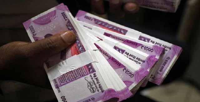 LIC की कन्यादान योजना : जमा कीजिए बस 121 रुपए, बेटी की शादी पर मिलेंगे 27 लाख रुपए