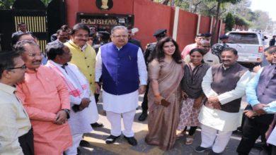 धान पर फिर मचा सियासी घमासान, राज्यपाल से मिला भाजपा नेताओं का दल